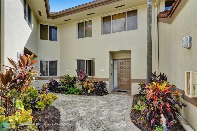9232 NW 9 Pl