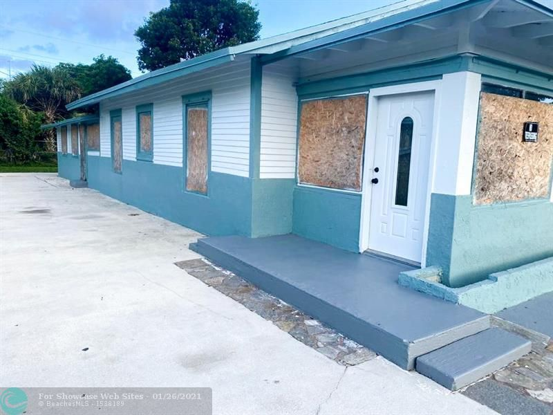 110 NW 28th Ter