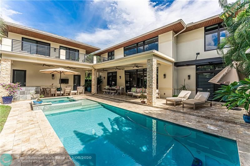 2017 Bayview Dr