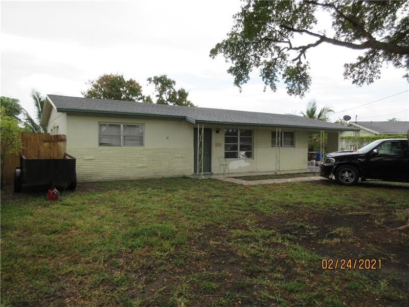 470 NW 39th St