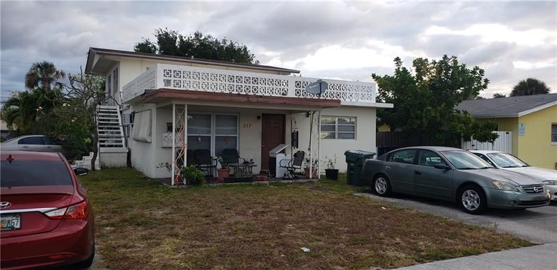 317 NW 40th St