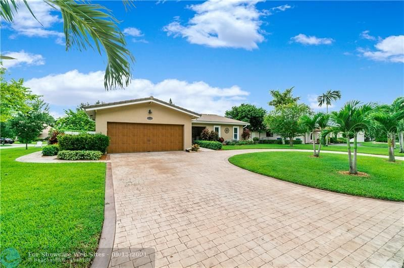 10000 NW 39th Ct