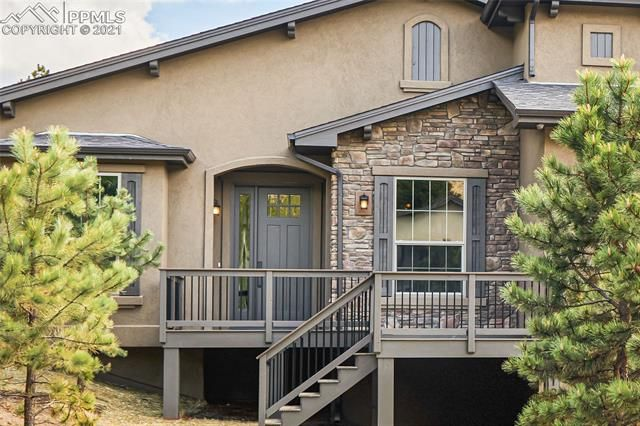 1105 Highlands Court