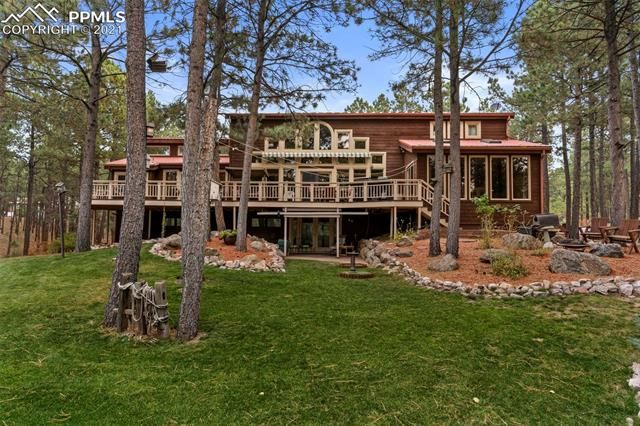 2975 Outlook Drive