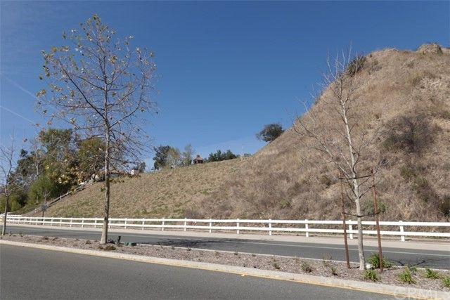 11  Bell Canyon Road