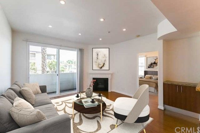 620 S Gramercy Place 102