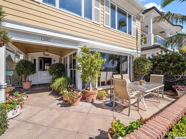 1202 S Bay Front