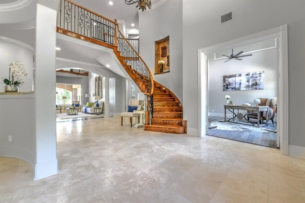 7402 Kings River Court