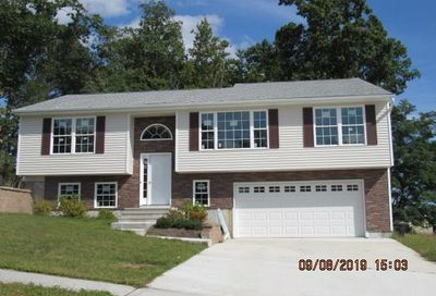 11 Wintergreen Lane Naugatuck CT 06770