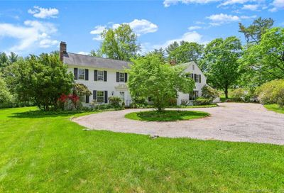 52 Turtle Back Road New Canaan CT 06840
