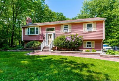 140 Standish Road Colchester CT 06415