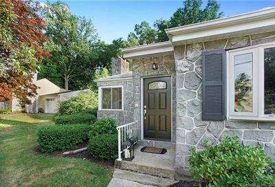 23 Sunset Road North Haven CT 06473
