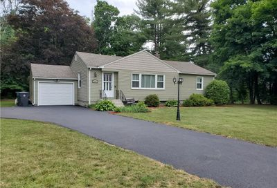 189 Crescent Circle Cheshire CT 06410