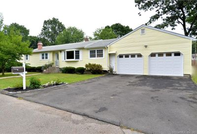 15 Kindle Lane Derby CT 06418