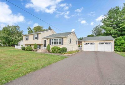 27 Park Pond Circle Wallingford CT 06492