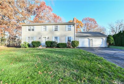 26 Colonial Court Cheshire CT 06410
