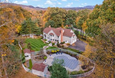 22 Mountaincrest Drive Cheshire CT 06410