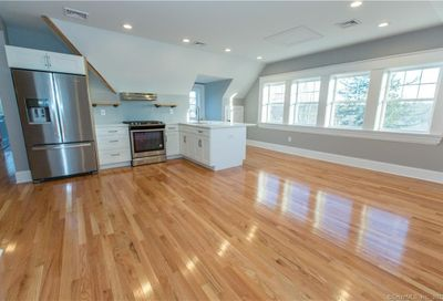 122 Newfield Street 3b Middletown CT 06457