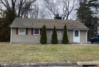 17 Cottage Grove Circle Bloomfield CT 06002
