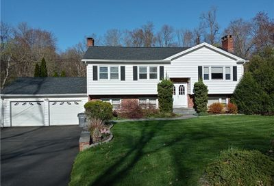 29 Old Turnpike Road Brookfield CT 06804