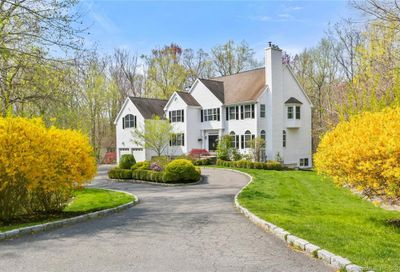 195 Skyview Lane New Canaan CT 06840
