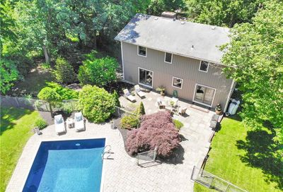 34 Indian Hill Road New Fairfield CT 06812