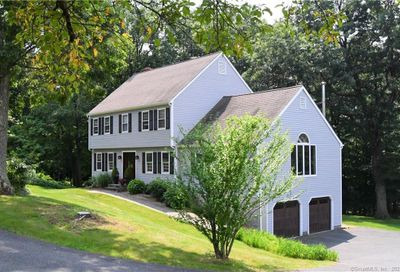 20 Clearview Drive Newtown CT 06482