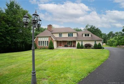 109 Old Farms Road Watertown CT 06795