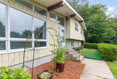 77 Old Waterbury Road Plymouth CT 06786
