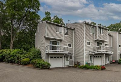 10 Ives Hill Court Cheshire CT 06410