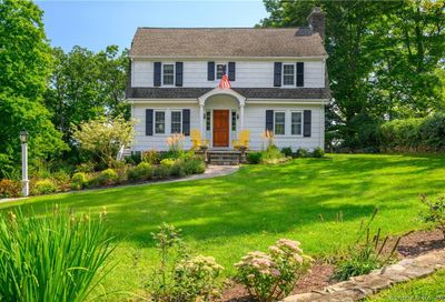 12 Sunset Hill Road Newtown CT 06470