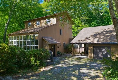 85 Cove View Road New London CT 06320