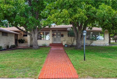 215 S Mulberry Street Luling TX 78648