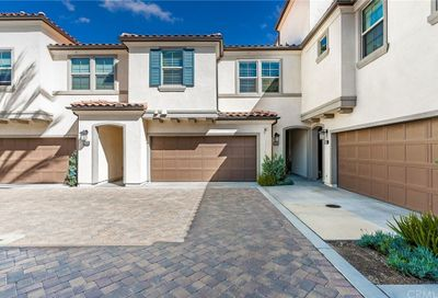 218 Finch Lake Forest CA 92630