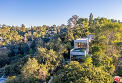 3201 Coldwater Canyon Lane Beverly Hills CA 90210
