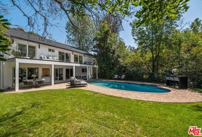 2801 Coldwater Canyon Drive Beverly Hills CA 90210