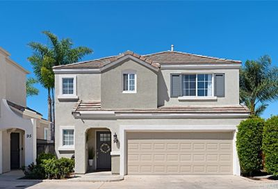 93 Rue Monet Lake Forest CA 92610