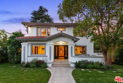 5850 Foothill Drive Los Angeles CA 90068