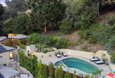 2024 Benedict Canyon Drive Beverly Hills CA 90210