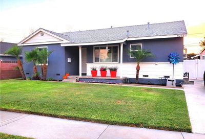 5233 Knoxville Avenue Lakewood CA 90713