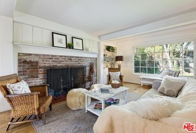 2047 Benedict Canyon Drive Beverly Hills CA 90210