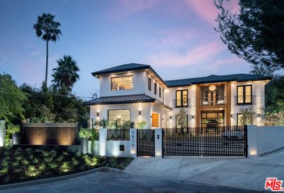 9814 Curwood Place Beverly Hills CA 90210