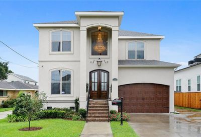 748 Robert E Lee Boulevard New Orleans LA 70124