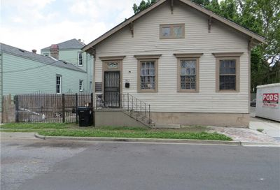 1003 Independence Street New Orleans LA 70117