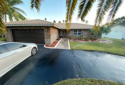 8940 NW 2nd St Coral Springs FL 33071