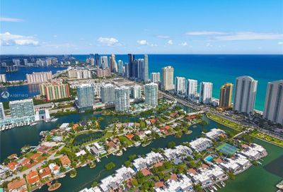 16500  COLLINS AVE   TH-8 Sunny Isles Beach FL 33160