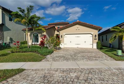 1281 SW 113th Way Pembroke Pines FL 33025