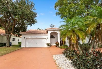 5719 NW 54th Pl Coral Springs FL 33067
