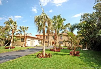 309 Center Island Golden Beach FL 33160