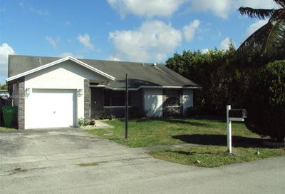 9165 NW 49th Ct Sunrise FL 33351